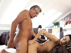 My sugar daddy smash me and old fellow ass fucking hd What would you
