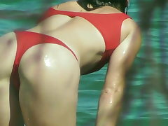 BIKINI Superslut Displays LOTS OF ASS