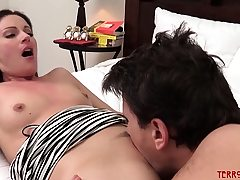 Stunner Samantha Ryan fed cum after making up with stud trunk